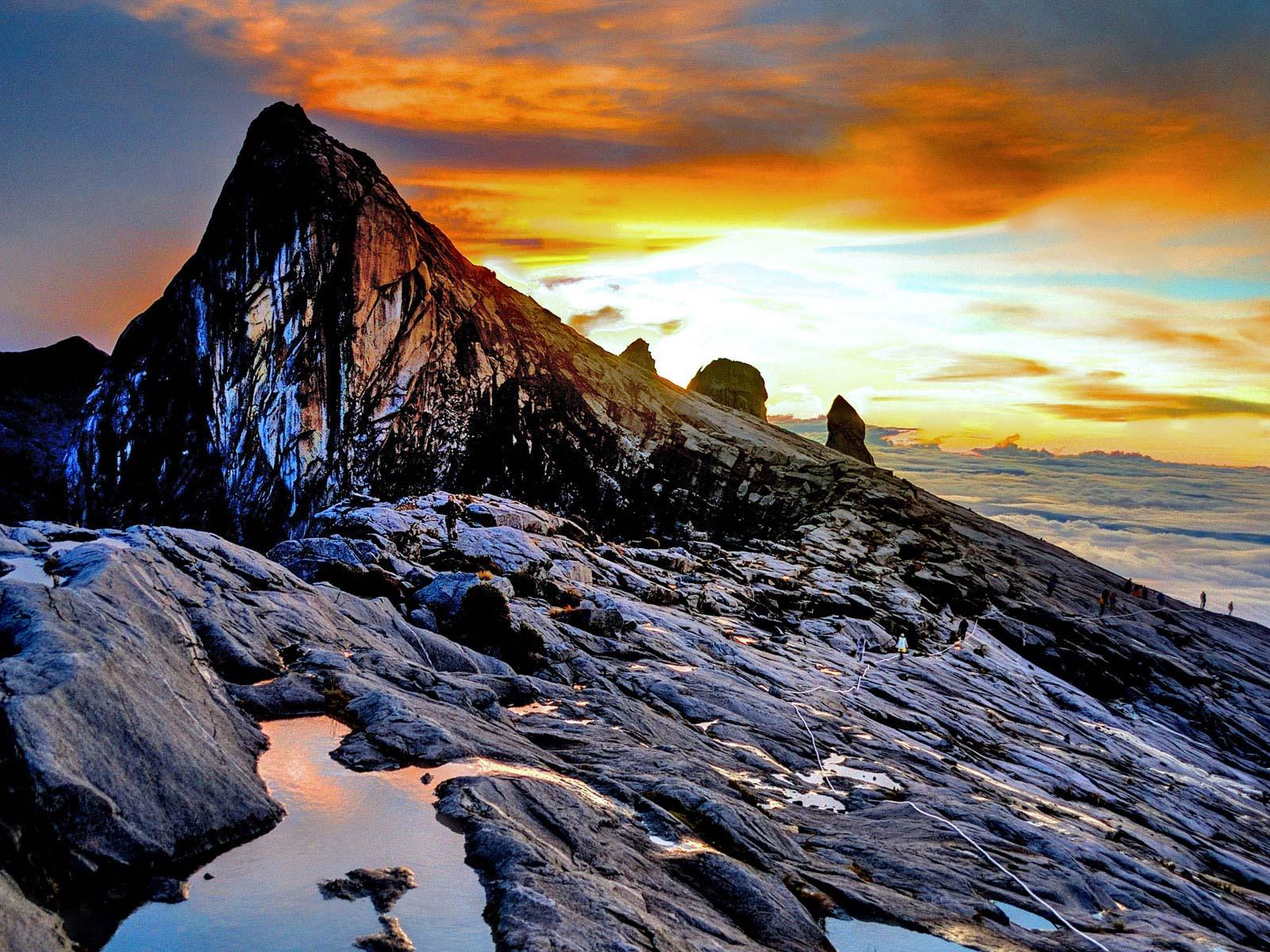 Mount Kinabalu (4,093 m) the highest mountain of Malaysia